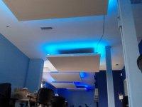 oświetlenie pod sufitem